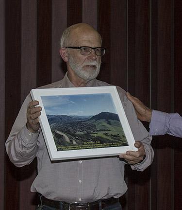 Dr. David Keil, Outgoing Vice-Pres, receives an award